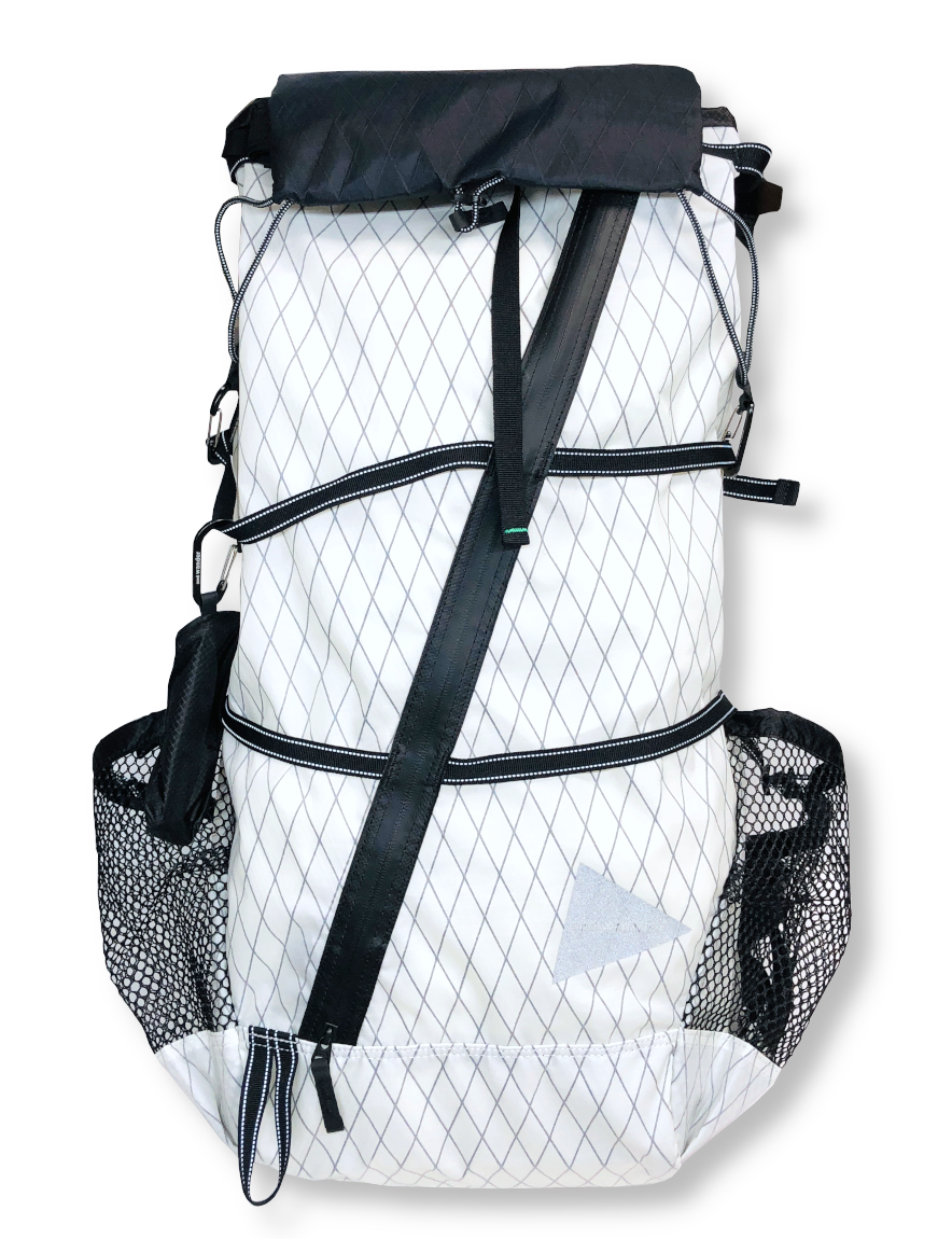 <img class='new_mark_img1' src='https://img.shop-pro.jp/img/new/icons1.gif' style='border:none;display:inline;margin:0px;padding:0px;width:auto;' />and wander - X-Pac 45L backpack (WHITE)