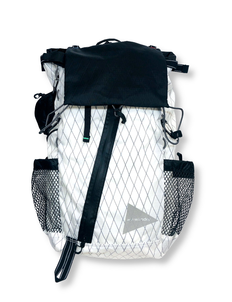 <img class='new_mark_img1' src='https://img.shop-pro.jp/img/new/icons1.gif' style='border:none;display:inline;margin:0px;padding:0px;width:auto;' />and wander - X-Pac 30L backpack (WHITE)